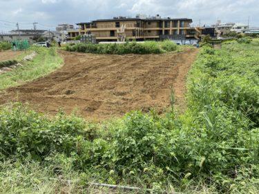 2020年9月2日(水)の作業記録 (吉岡さん畑の玉ねぎ畝のマルチ剥がし作業とトラクター耕耘作業)