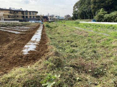 2020年10月28日(水)の作業記録 (玉ねぎ用マルチ土掛け作業、除草作業、移植機の始動チェック)