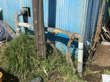 2021年10月14日(木)の収穫作業 (レタスの定植作業、除草作業、給水ポンプの配管工事)